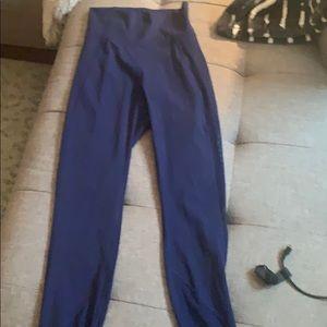 Lululemon hit it blue leggings with mesh sides